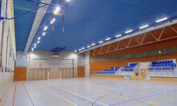 Primary school in Sázava (sports hall)